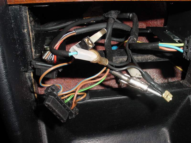 1990 W126 Stereo Upgrade Woes - PeachParts Mercedes-Benz Forumthe PeachParts Forum!