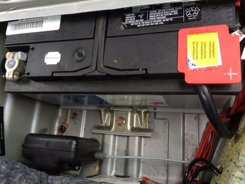 Some w210 battery questions peachparts mercedes shopforum for Mercedes benz e320 battery