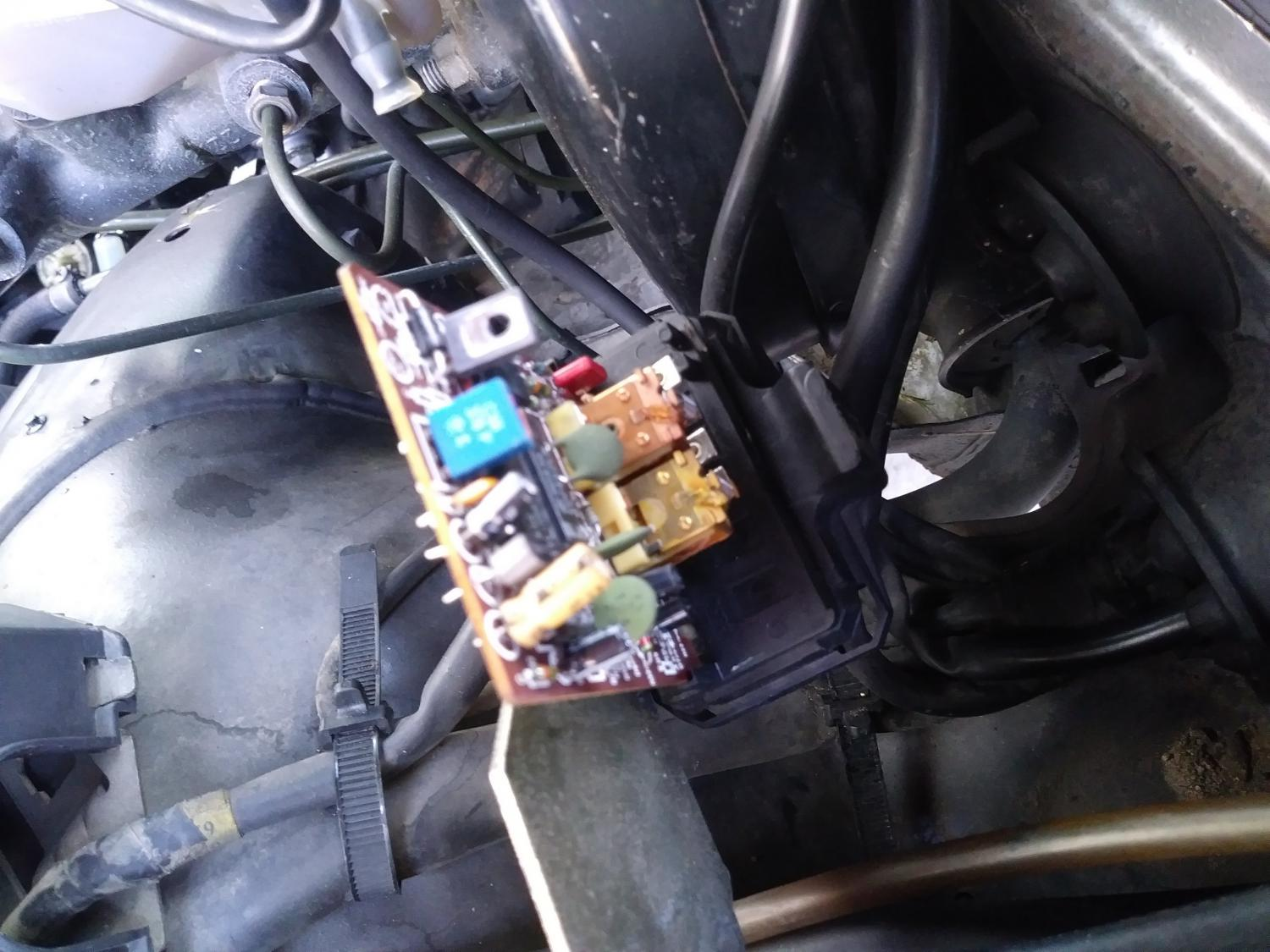 1985 300D Klima and fuse box woes-0414181451.jpg ...