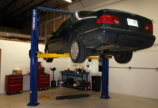 Private Garages For Diesel Machanics : Garage available for moonlighting mechanics outside