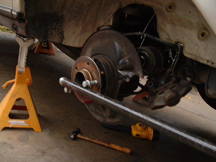 Jaguar s type rear wheel bearing replacement
