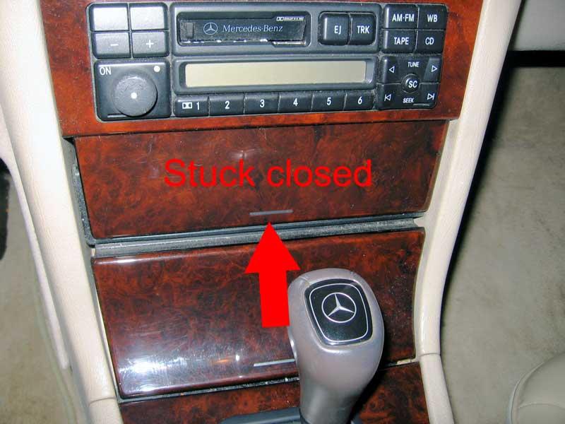 Mercedes Benz Santa Rosa >> W210 dash compartment stuck closed - PeachParts Mercedes-Benz Forum