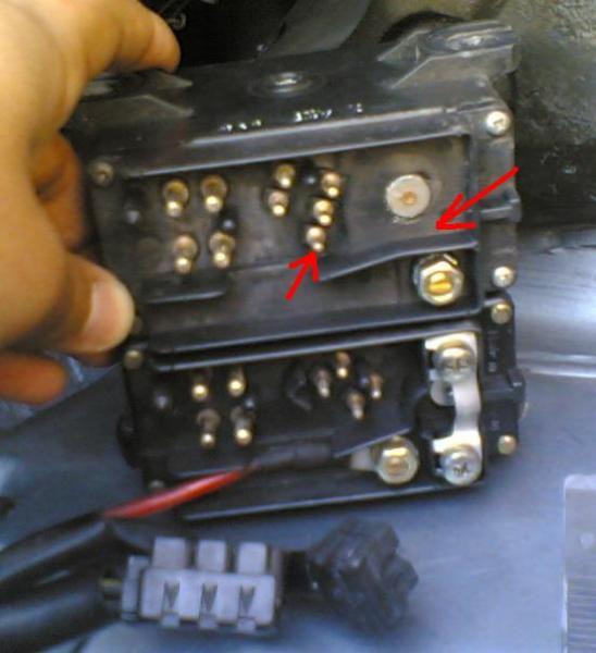 W124 hehkureleen kytkentä