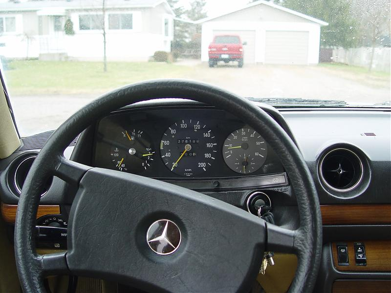 1983 300D in london, ontario, Canada-dsc01931.jpg