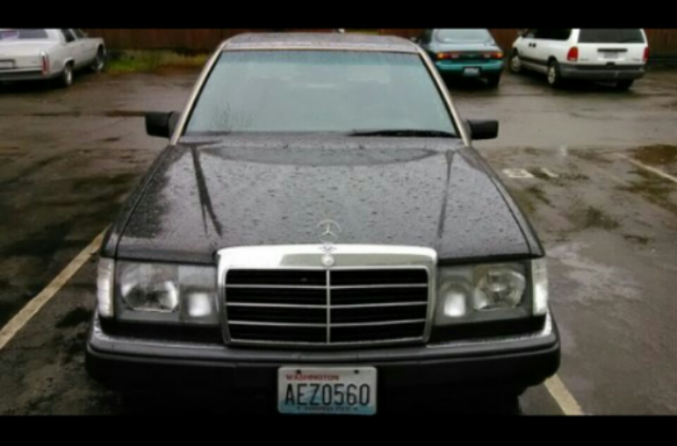 Part out 1993 300e 2 8 black on black extremely clean for Mercedes benz parts in seattle