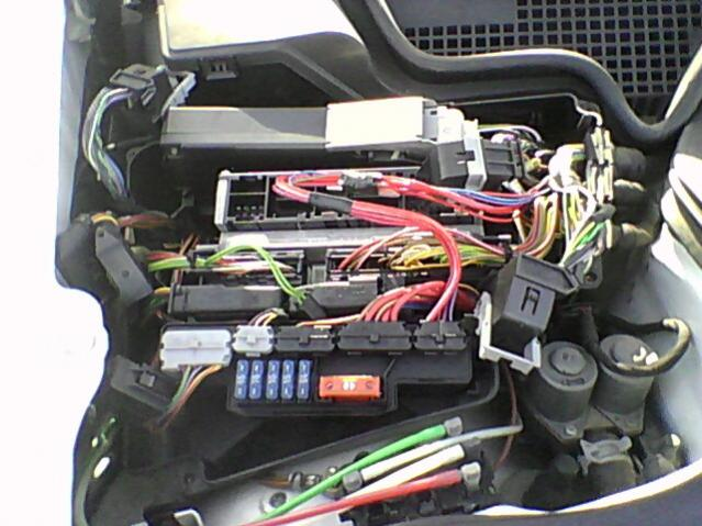 119281d1392822251-w210-dies-freeway-cranks-no-start-w210-computer-nest-passengers-side-engine-compartment.jpg